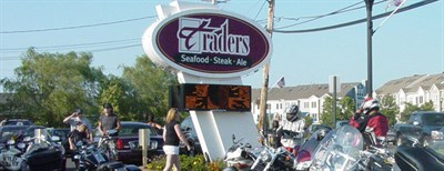 Traders Seafood Steak & Ale