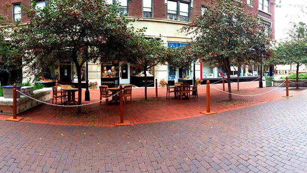 Outdoor dining in Historic Downtown Cumberland.