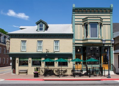 Dan's Restaurant & Tap House on Boonsboro Square.