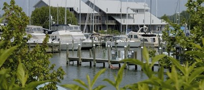 Photo Credit: Knapp's Narrow Marina & Inn