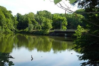 Lake Roland Park.