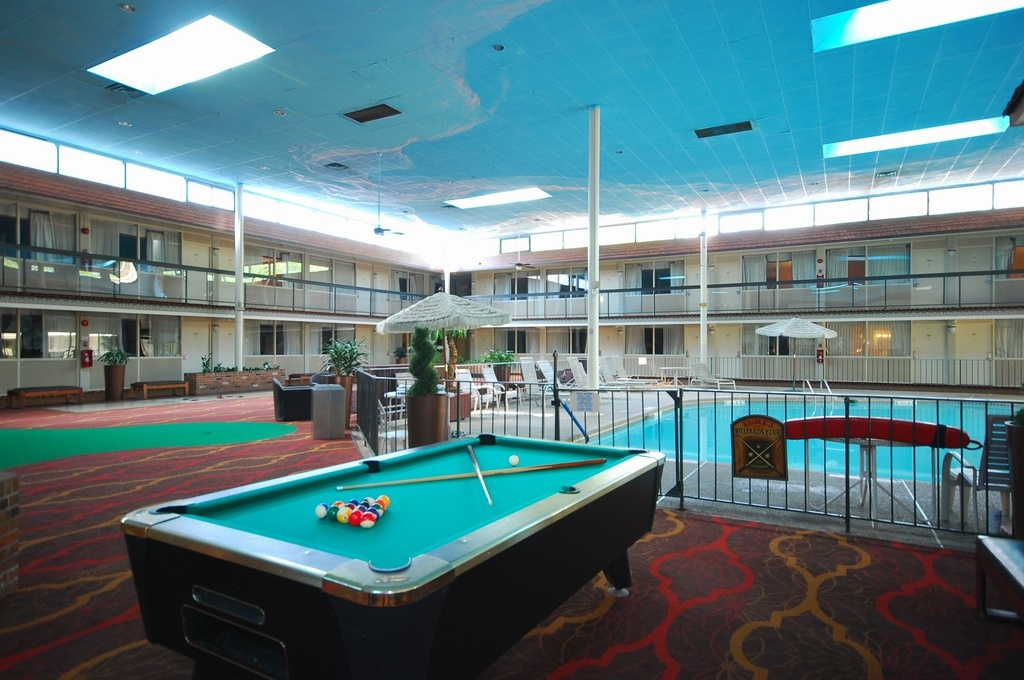 Clarion Inn & Fundome Interior