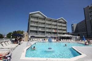 Photo Credit: Commander Hotel Suites & Cabanas