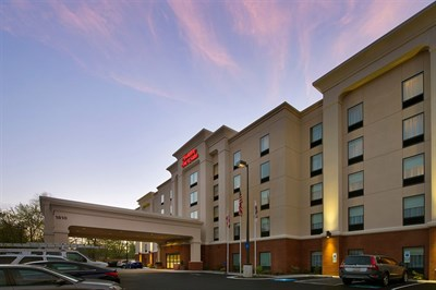 Hampton Inn & Suites-Baltimore/Woodlawn exterior