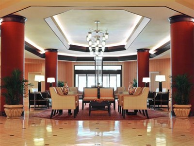 Crown Plaza-Annapolis lobby