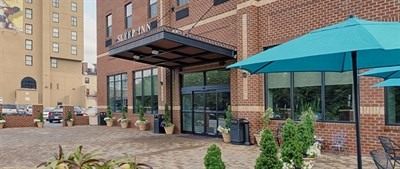 Sleep Inn & Suites-Downtown Inner Harbor courtyard