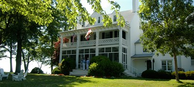 Photo Credit: Wades Point Inn on the Bay