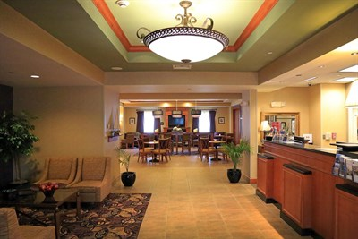 Hampton Inn-Easton lobby
