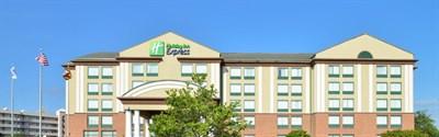 Holiday Inn Express & Suites-Ocean City exterior