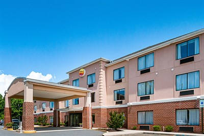 Comfort Inn & Suites-Cambridge exterior