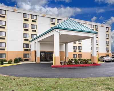 Photo Credit: Comfort Inn-Oxon Hill