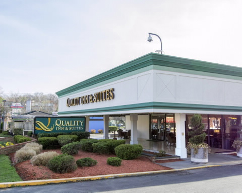 Quality Inn & Suites-College Park exterior