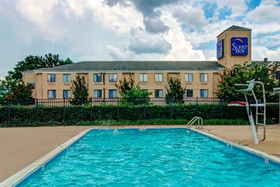 Sleep Inn-Rockville/Shady Grove exterior pool