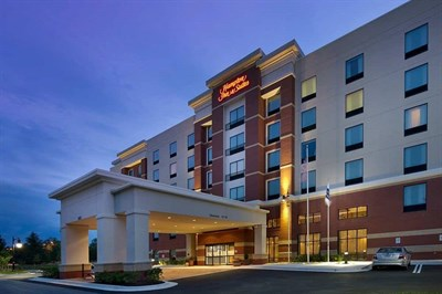 Hampton Inn & Suites-Washington, DC North/Gaithersburg night exterior view