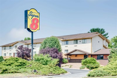 Photo Credit: Super 8 Motel-Hagerstown