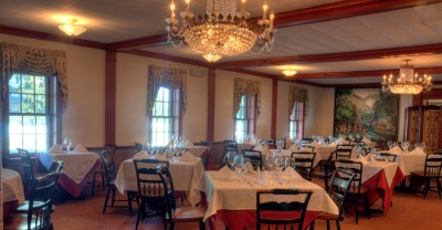 The Robert Morris inn dining area
