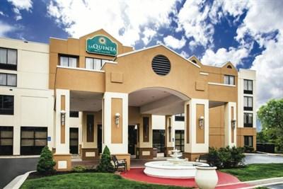 LaQuinta Inn & Suites-Newark/Elkton exterior view