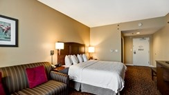 Hampton Inn-Baltimore/Glen Burnie guest room