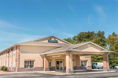 Days Inn-Perryville exterior view
